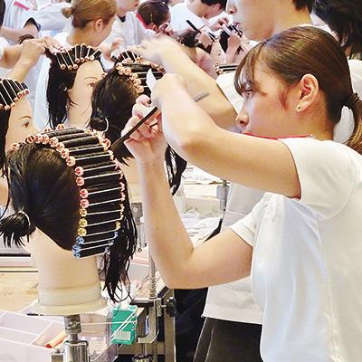 姫路理容美容専門学校画像